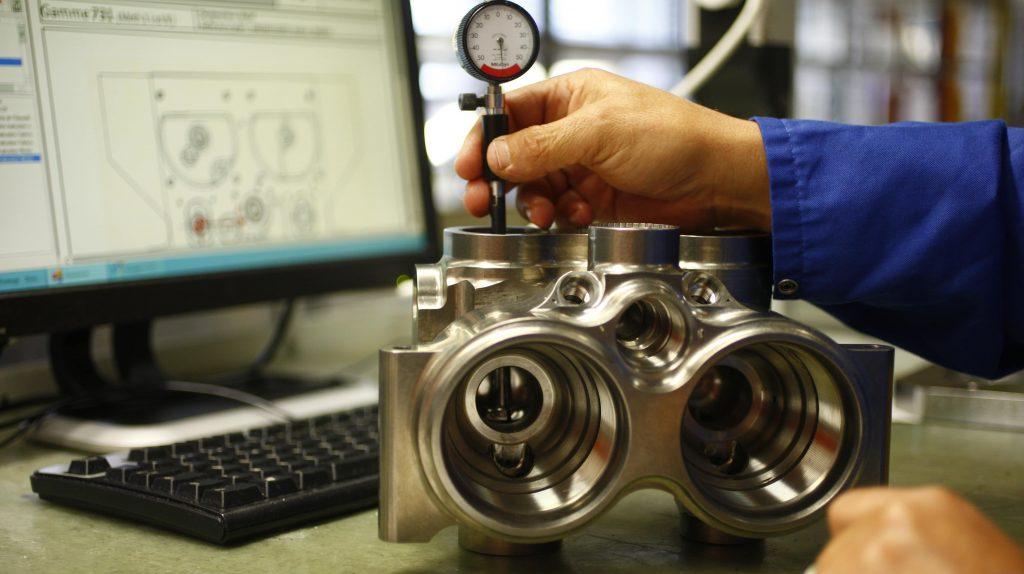 controle de piece mecanique de precision