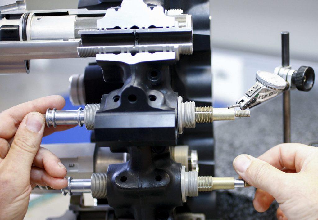 controle ded piece de precision avec machine