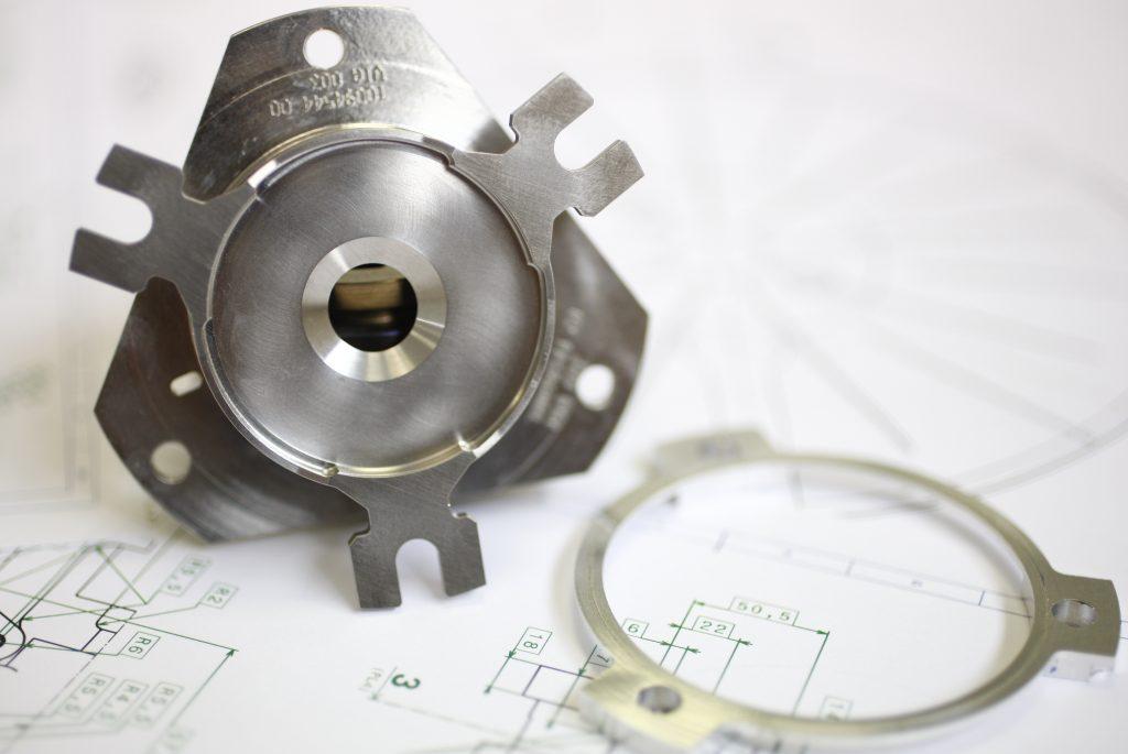pièce usinée mécanique de précision destinée pour le spatial